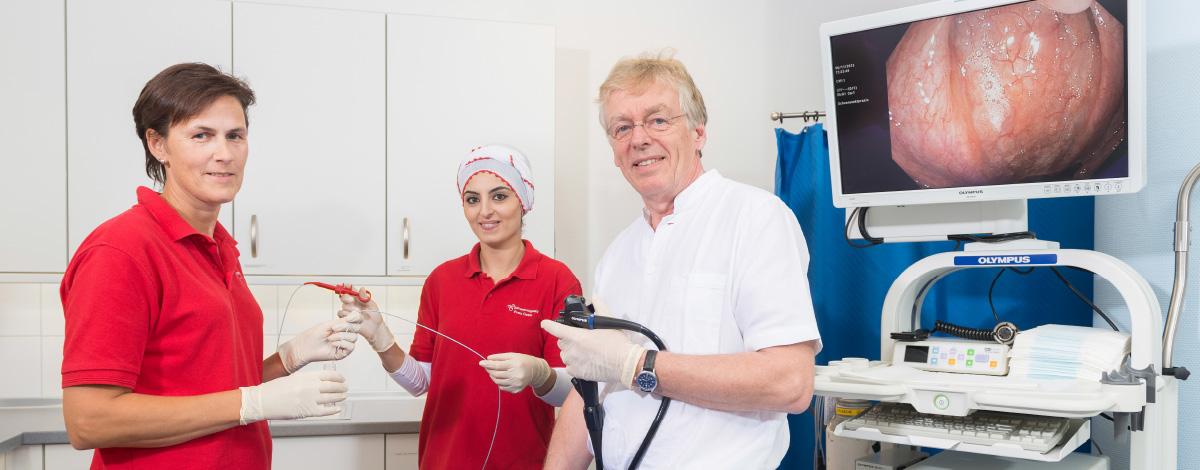 Endoskopie-Arbeitsplatz für Magenspiegelungen (Gastroskopien) und Darmspiegelungen (Koloskopien) unserer Schwerpunktpraxis für Magen- und Darmerkrankungen, in Hamburg-Billstedt